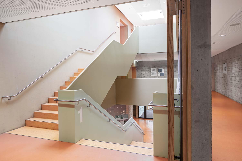 Architekturfotograf Ken Wagner, Batimet Oberschule Pirna Treppenhaus