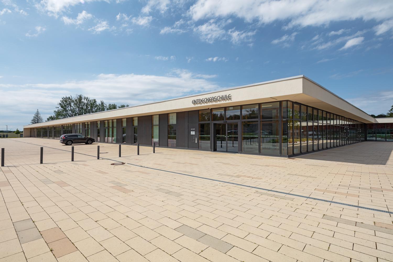 Architekturfotograf Ken Wagner in Dresden, Entdeckerschule in Chemnitz Fensterfasade