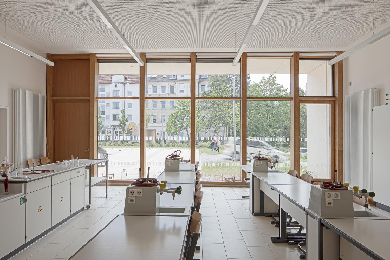 Architekturfotograf Ken Wagner in Dresden, Entdeckerschule in Chemnitz Klassenzimmer
