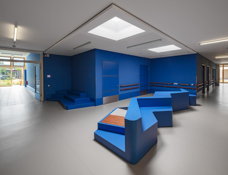 Architekturfotograf Ken Wagner in Dresden, Entdeckerschule in Chemnitz, Durchgang