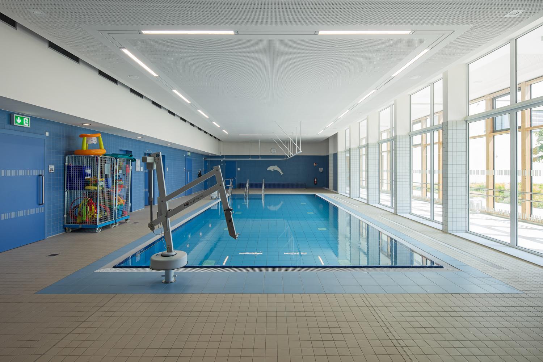 Architekturfotograf Ken Wagner in Dresden, Entdeckerschule in Chemnitz, Schwimmbad