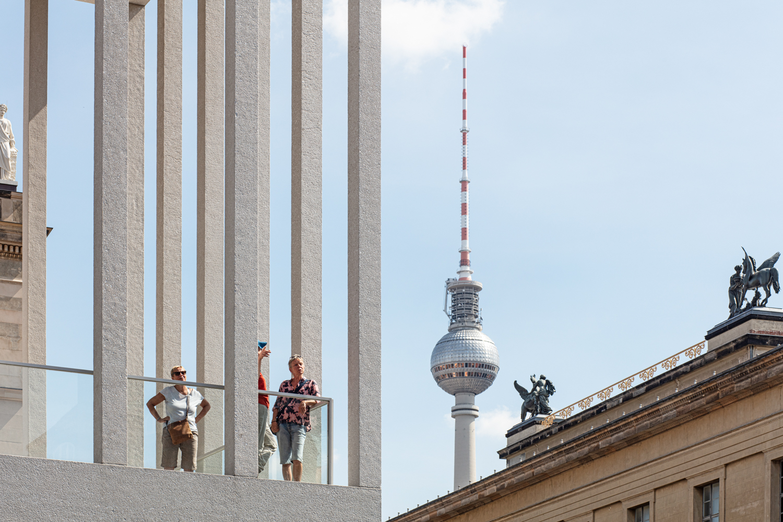 James Simon Galerie in Berlin Architekturfotograf Ken Wagner Fernseherturm Berlin