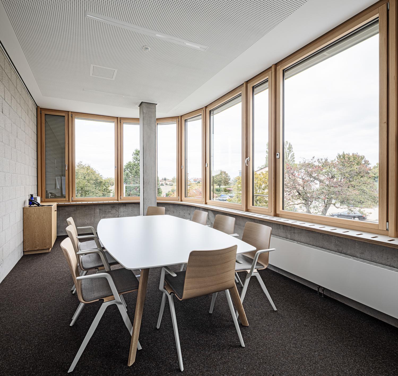 Interiorfotografie und Meetingraum von einer Beruflichen Gymnasium in Bad Krozingen