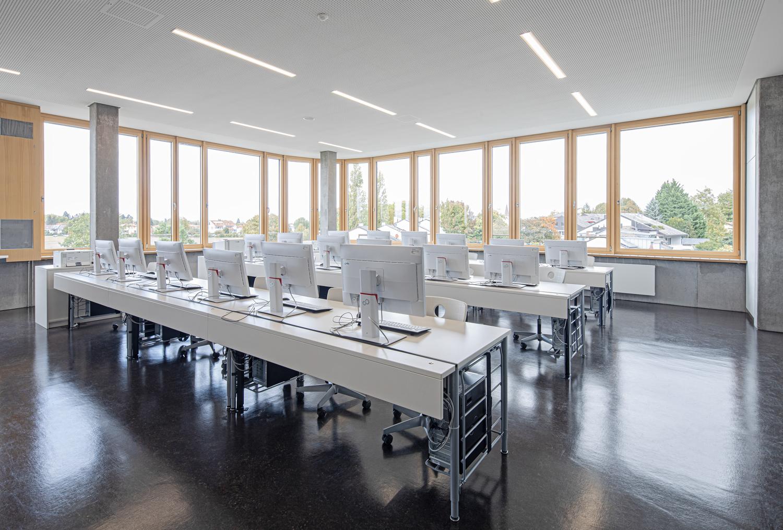 Interiorfotografie und Klassenraum von einer Beruflichen Gymnasium in Bad Krozingen