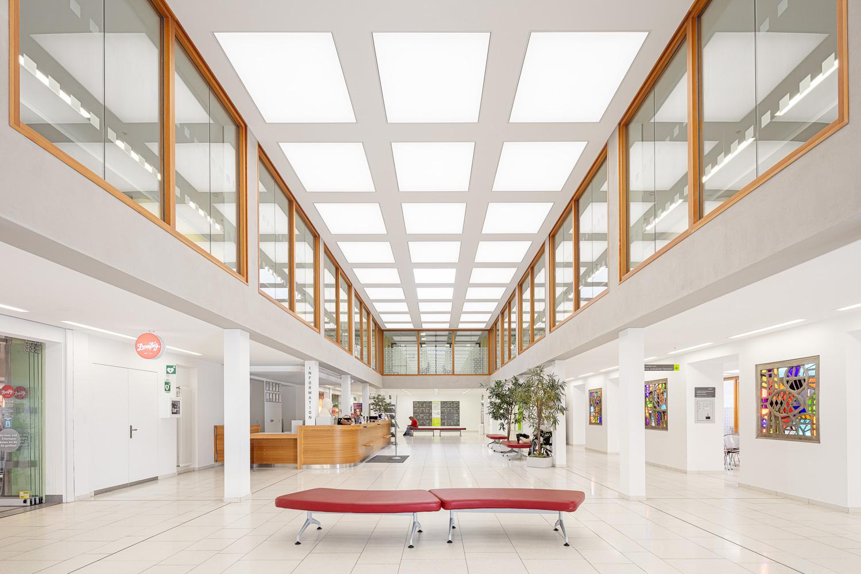 Architekturfotograf für die Firma Batimet Ken Wagner Carl Thiem Klinik Foyer