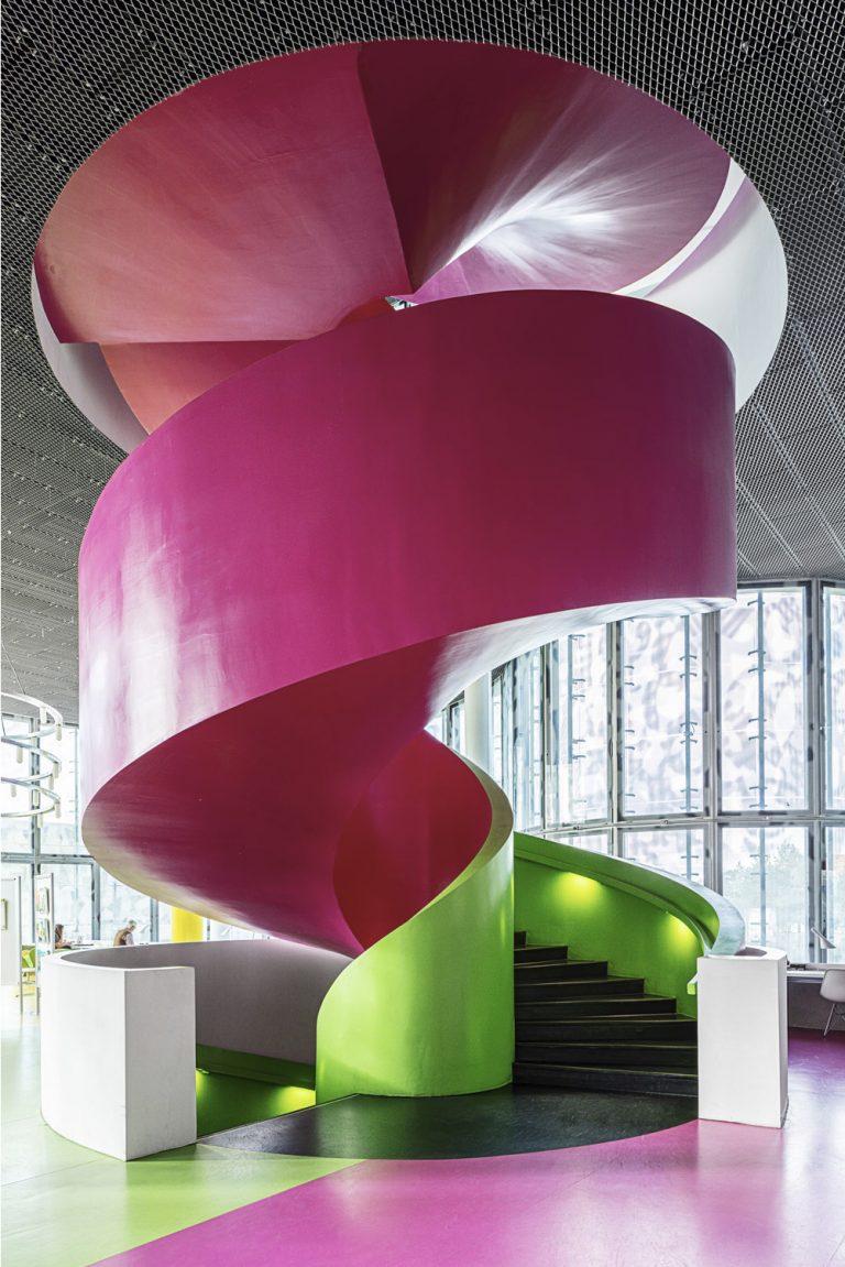 Cottbus Bibliothek Treppenaufgang als Architekturfotograf Ken Wagner