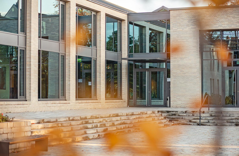 Architekturfotografie für Batimet in Köln St Rochus Fensterfassade