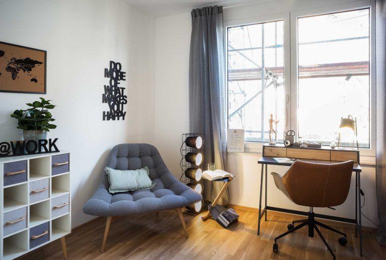 """Immobilienfotografie Arbeitszimmer Musterwohnung """"Haus am Schauspielhaus"""" in Dresden"""