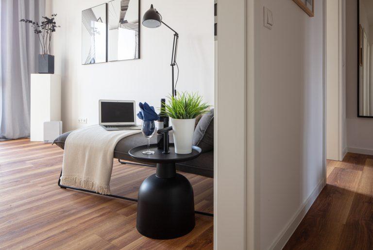 Wohnungsflur und Gästezimmer in einer MusterwohnungMusterwohnung in Dresden Immobilienfotograf Leipzig Chemnitz Dresden