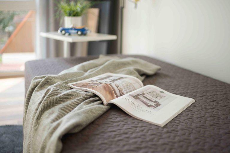 Gästezimmer in der Musterwohnung in Dresden Immobilienfotograf Architekturfotograf