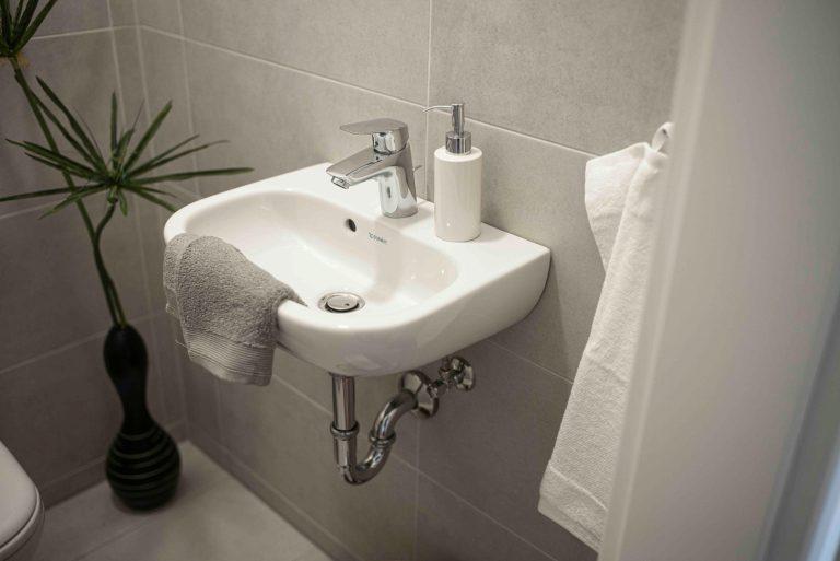 Badezimmer in der Musterwohnung in Dresden Immobilienfotograf Architekturfotograf