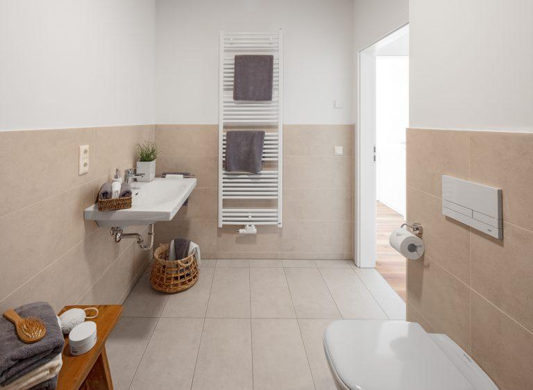 Badezimmer in einer Musterwohnung Musterwohnung in Dresden Immobilienfotograf Leipzig Chemnitz Dresden