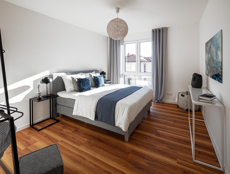 Schlafzimmer in einer Musterwohnung in Dresden