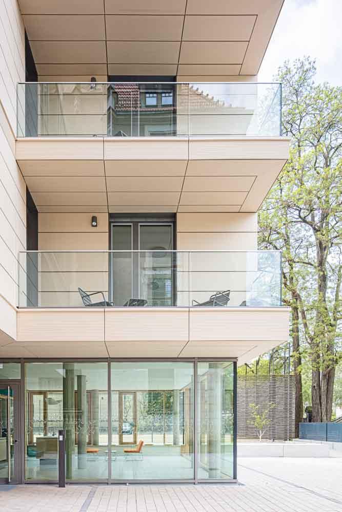 Batimet-kreuzchor-internat-ken-wagner-balkonien-glassfassaden-kreuzchor-architekturfotografie-innenarchitektur-fensterfassade-fasade
