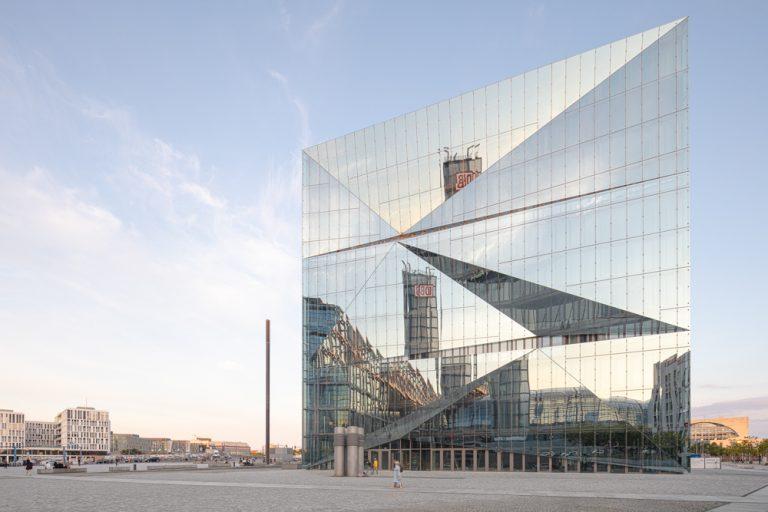 Cube am Hauptbahnhof in Berlin - Architekten 3XN Architects - Architekturfotograf Ken Wagner