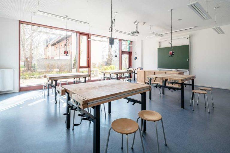 Gerda Tora Schule Leipzig Architekturfotograf Ken Wagner Alten Architekten Fensterfassade Werkraum