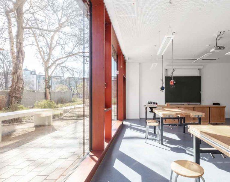 Gerda Tora Schule Leipzig Architekturfotograf Ken Wagner Alten Architekten Fensterfassade Treppenhaus Fensterfassade
