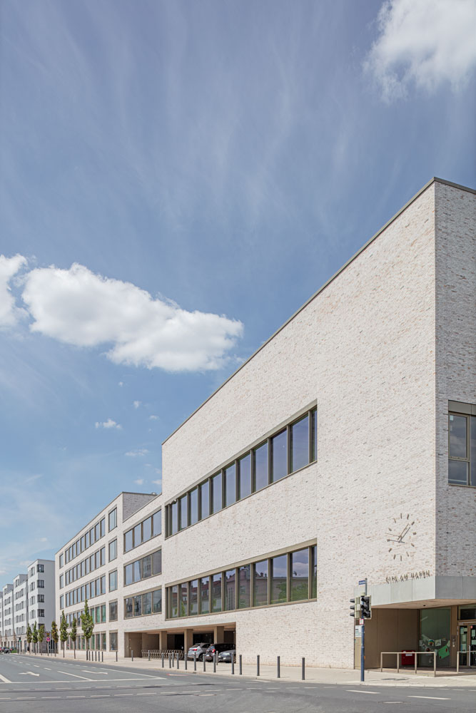 Hafenschule in Offenbach / Frankfurt am Main - Architekturfotograf Ken Wagner