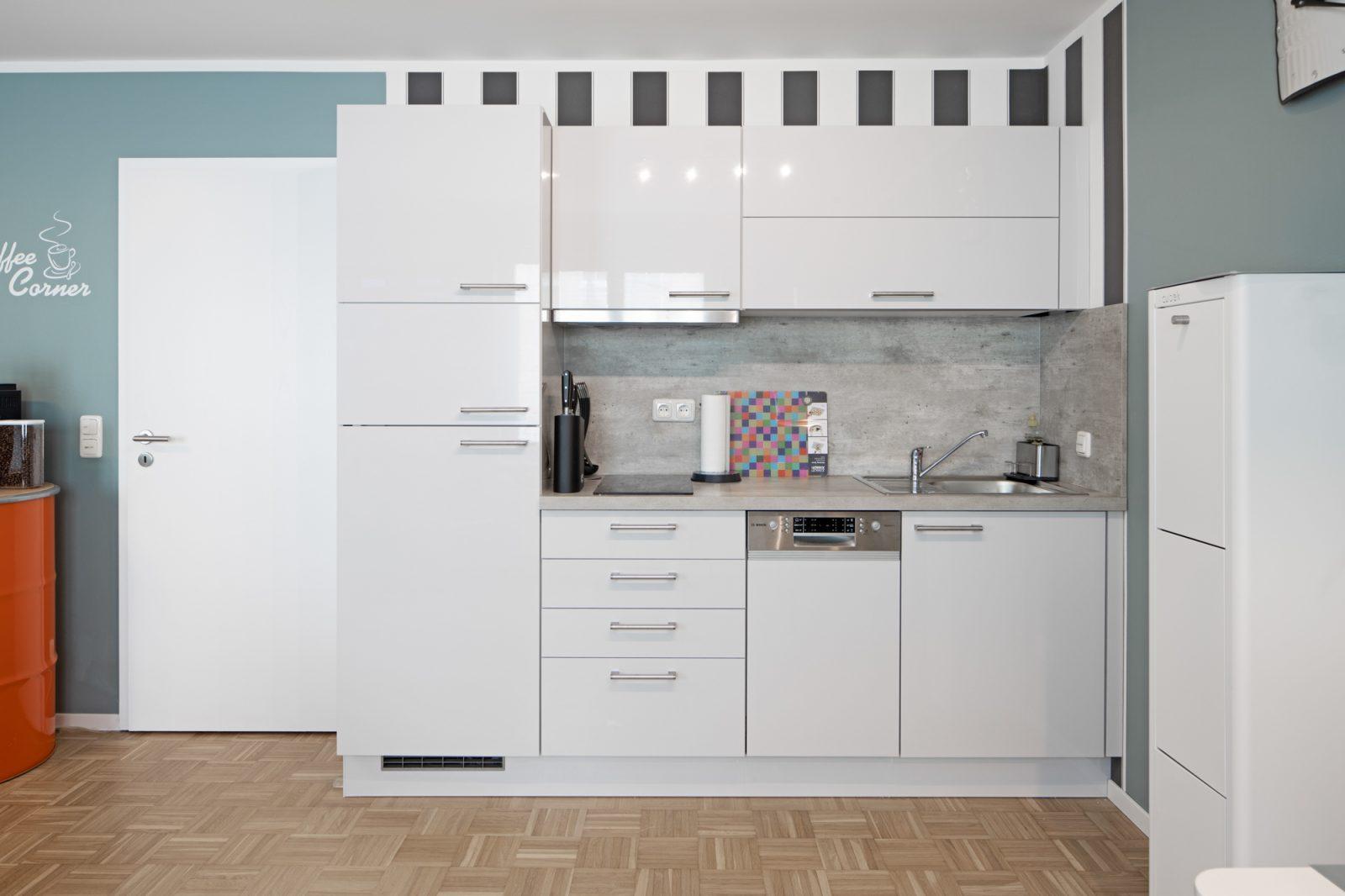 AIRBNB Wohnung Dresden - Interiorfotografie Ken Wagner  Küchenzeile