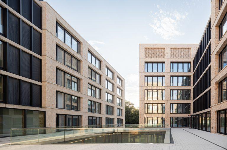 W&W Gruppe Campus Architekturfotografie Ludwigsburg Ken Wagner Fensterfassaden