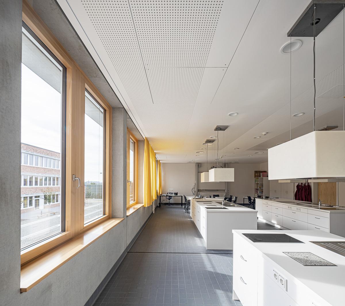 Küche Hauswirtschaft Klassenzimmer - Architekturfotografie von Johann-Pachelbel-Realschule in Nürnberg, Architekturfotograf Ken Wagner