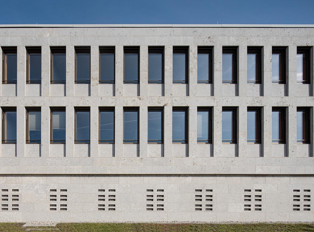 Südseite Amtsgericht Günzburg - Architekturfotograf Ken Wagner