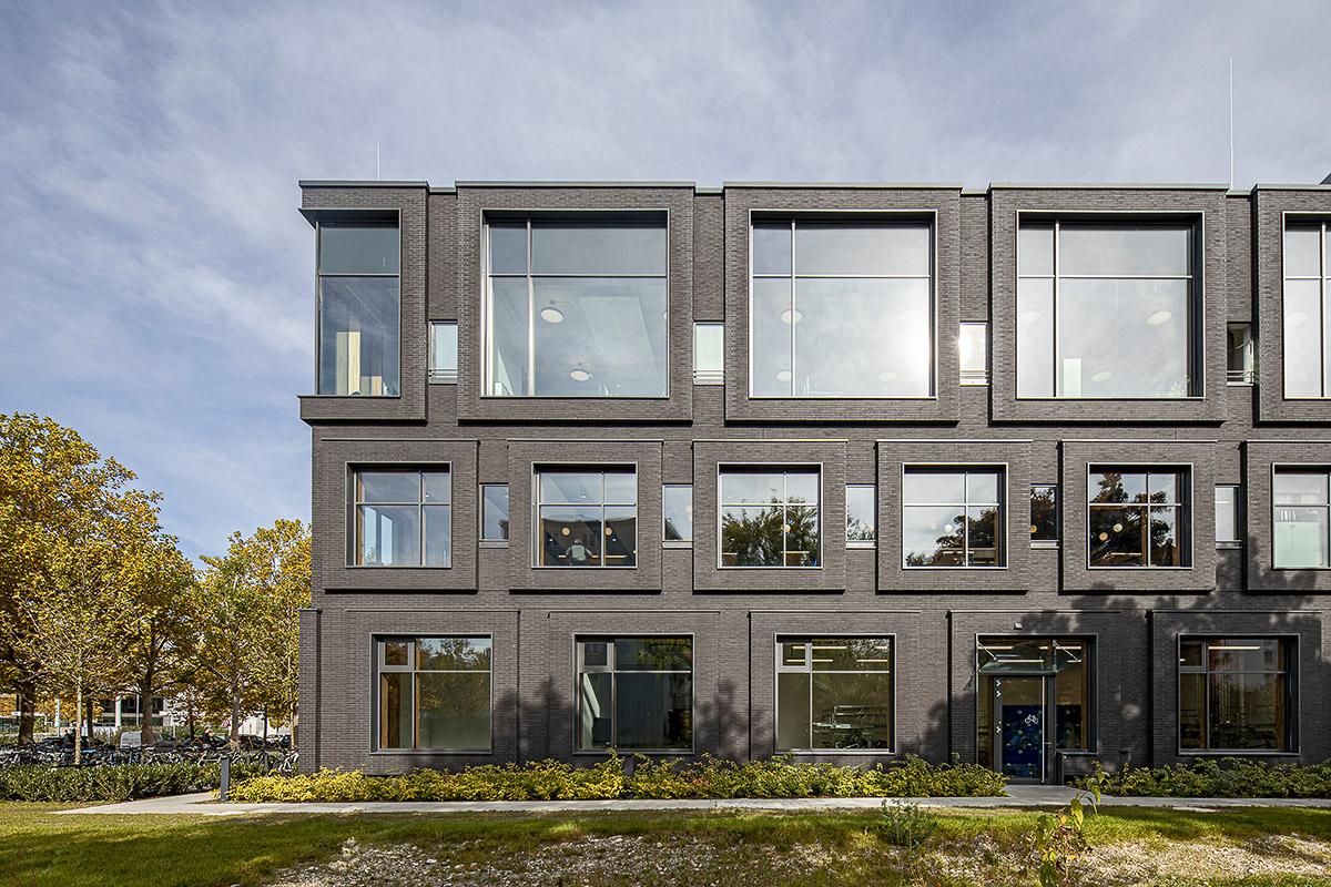 Westseite vom Headquater in München - Architekturbüro Hoffmann und Amtsberg