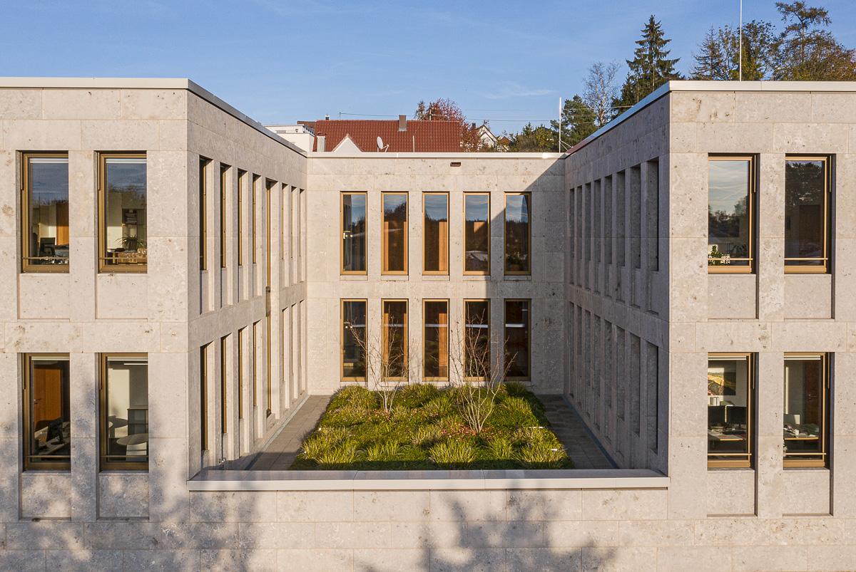 Drohneaufnahme vom Amtsgericht in Günzburg bei München - Drohne - Luftbild