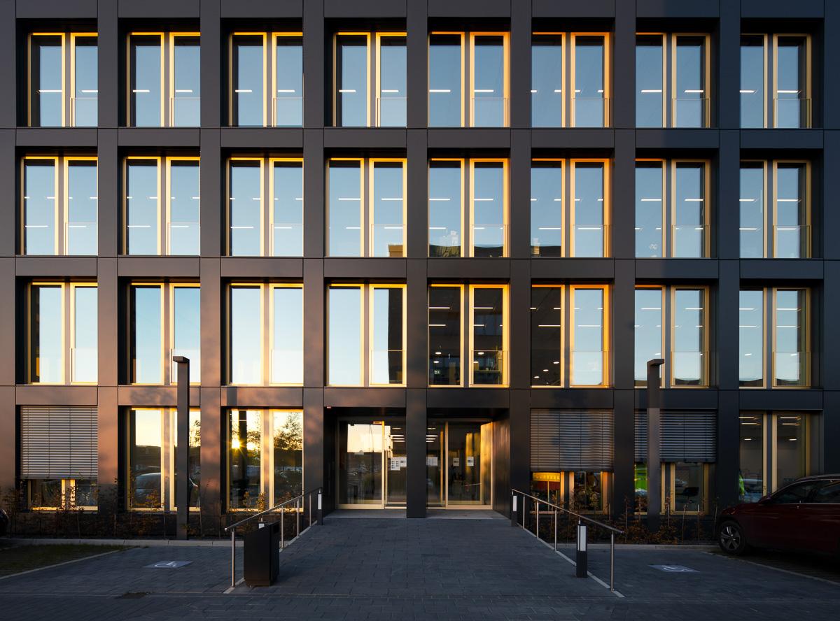 Eingang Handwerkerhaus Bremen Überseestadt Architekturfotograf Ken Wagner